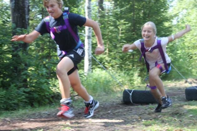 Hård träning varvas med lek och bus på våra barn och ungdomsläger!